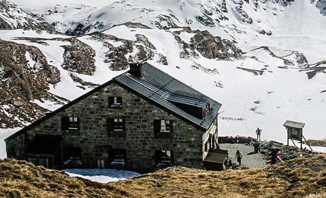 Chanrionhütte