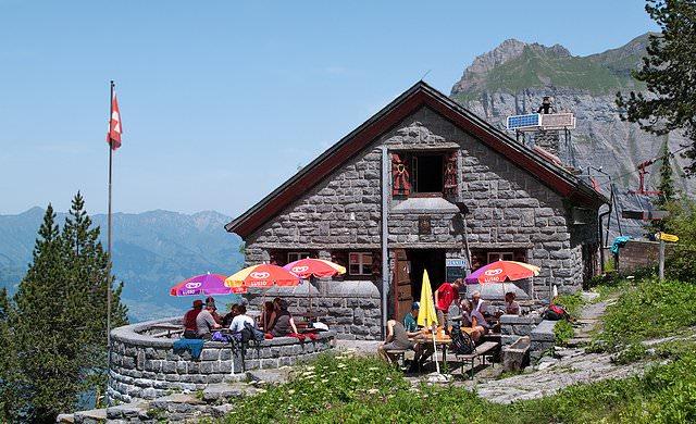 Doldenhornhütte