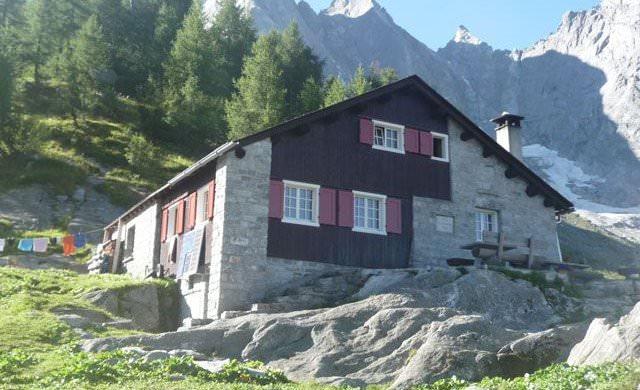Sasc-Furä-Hütte